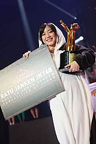 Sinka as the 2016 JKT48 Janken Champion.jpg