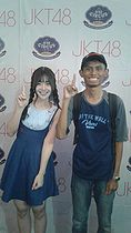 Wardi Samme with Yupi JKT48 at JKT48 Circus Makassar on 2018-10-13.jpg